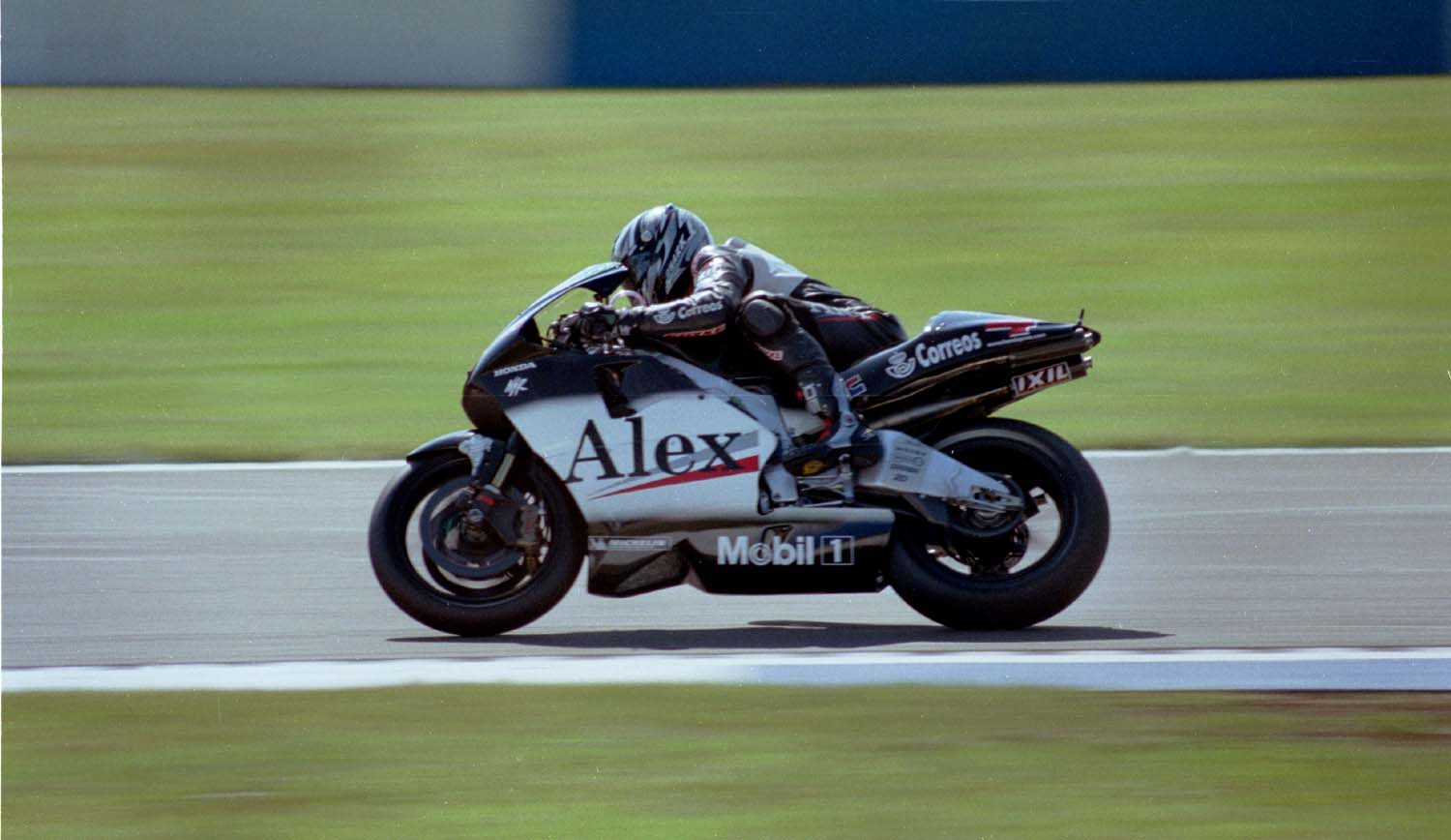 Alex Barros on a Honda NSR 500
